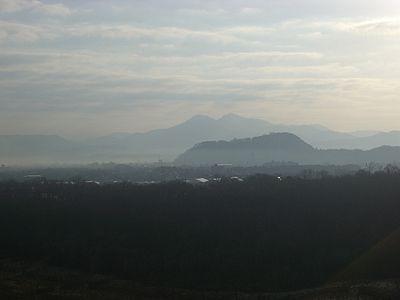 瀬波から見るお城山