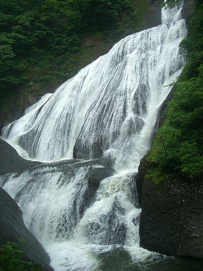 吊橋からの滝.jpg