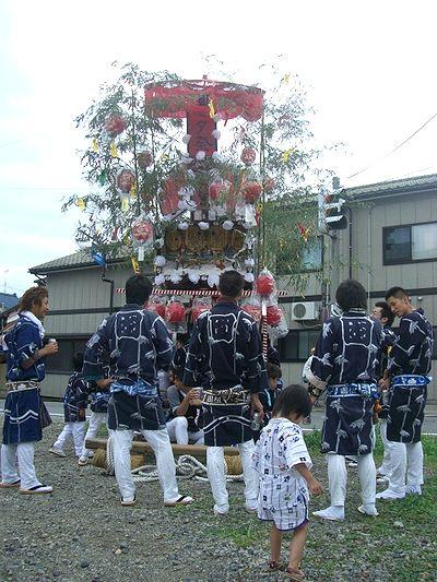小国町の七夕屋台.jpg